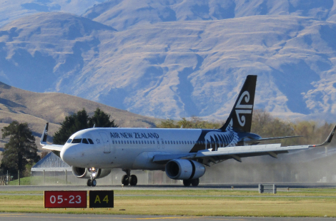 Queenstown Airport welcomes flights back to the Southern Lakes region
