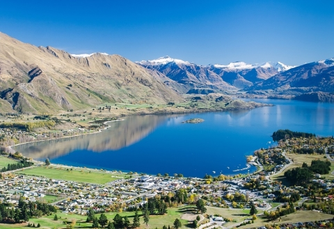 LakeWanaka view over town websiteresized